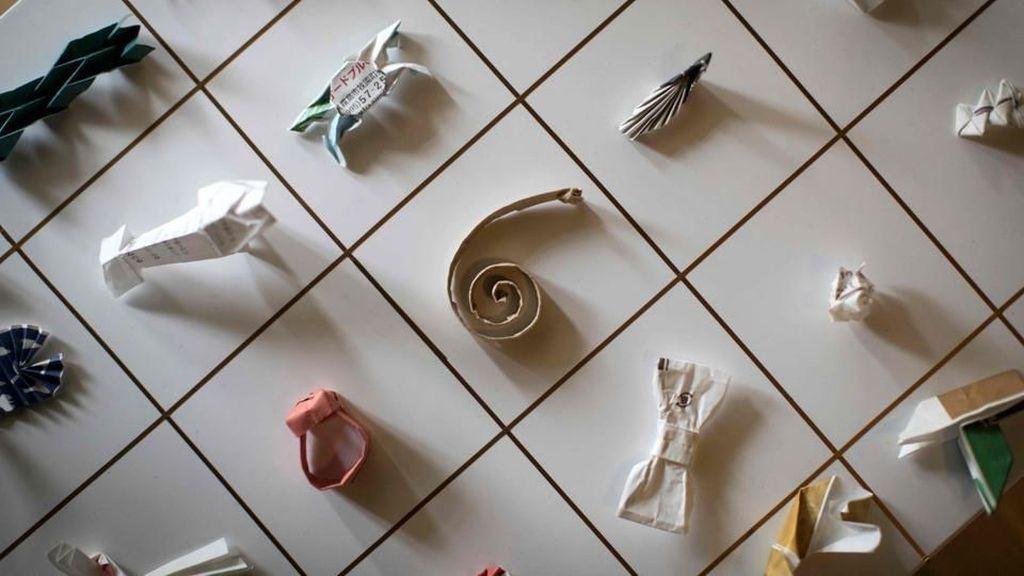 Foto: Belasan Ribu Origami dari Pembungkus Sumpit