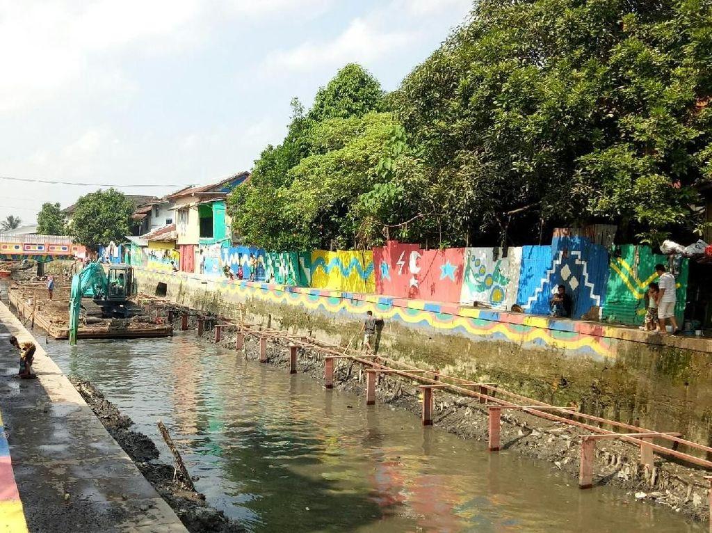 Kali Item di Jakarta Dipasang Waring, Bagaimana di Palembang?