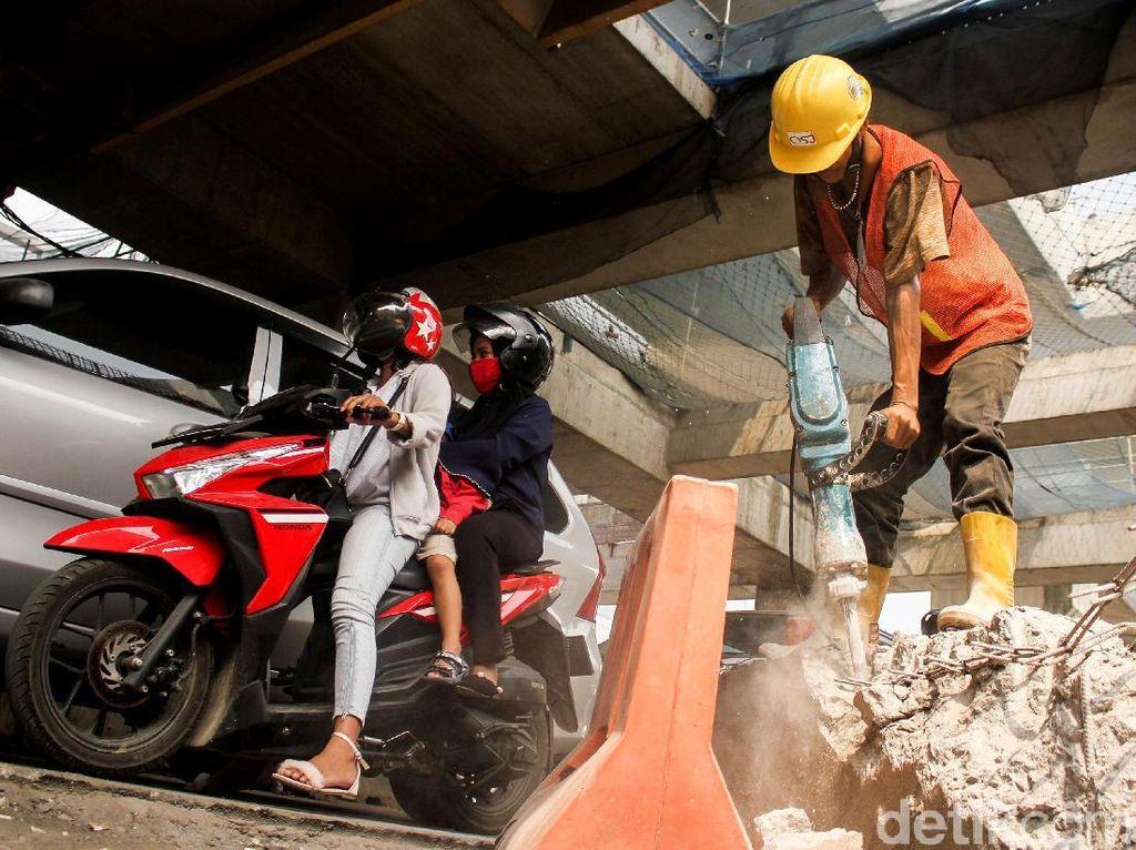 Proyek Infrastruktur Buat Jalan Panglima Polim Berdebu