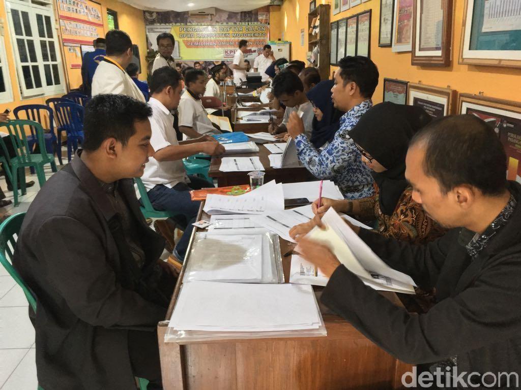 20 Bacaleg di Mojokerto Dicoret, Ada yang Gunakan Ijazah Palsu