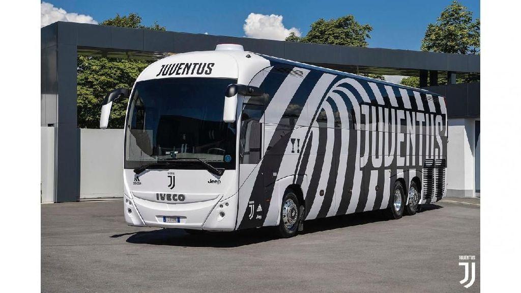 Bus Keren Bermotif Zebra Buat Ronaldo Cs