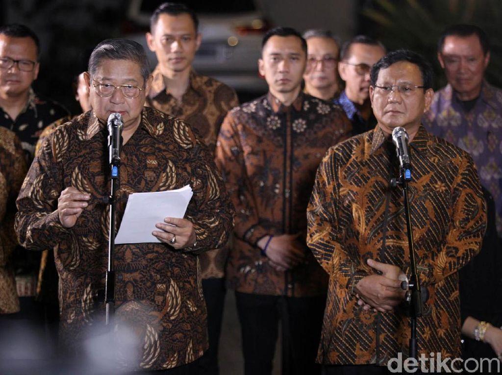 Cak Imin dan Airlangga Curi Panggung Prabowo-AHY