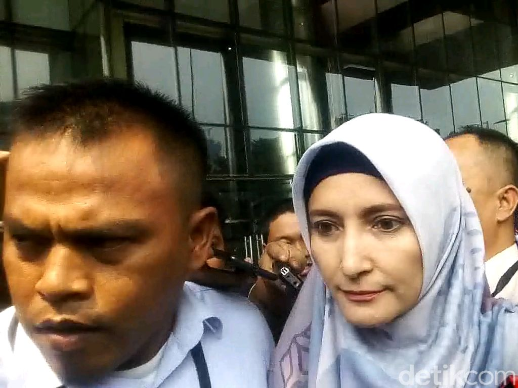 Inneke Koesherawati Bungkam Usai Diperiksa KPK