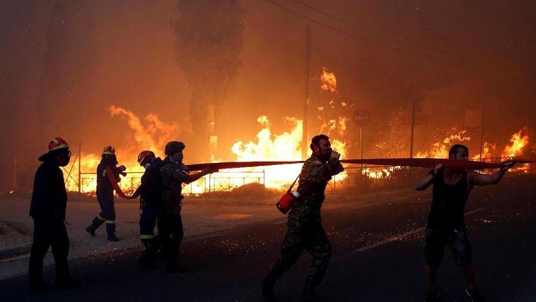 Kebakaran Hutan Tewaskan 74 Orang, Yunani Berkabung 3 Hari