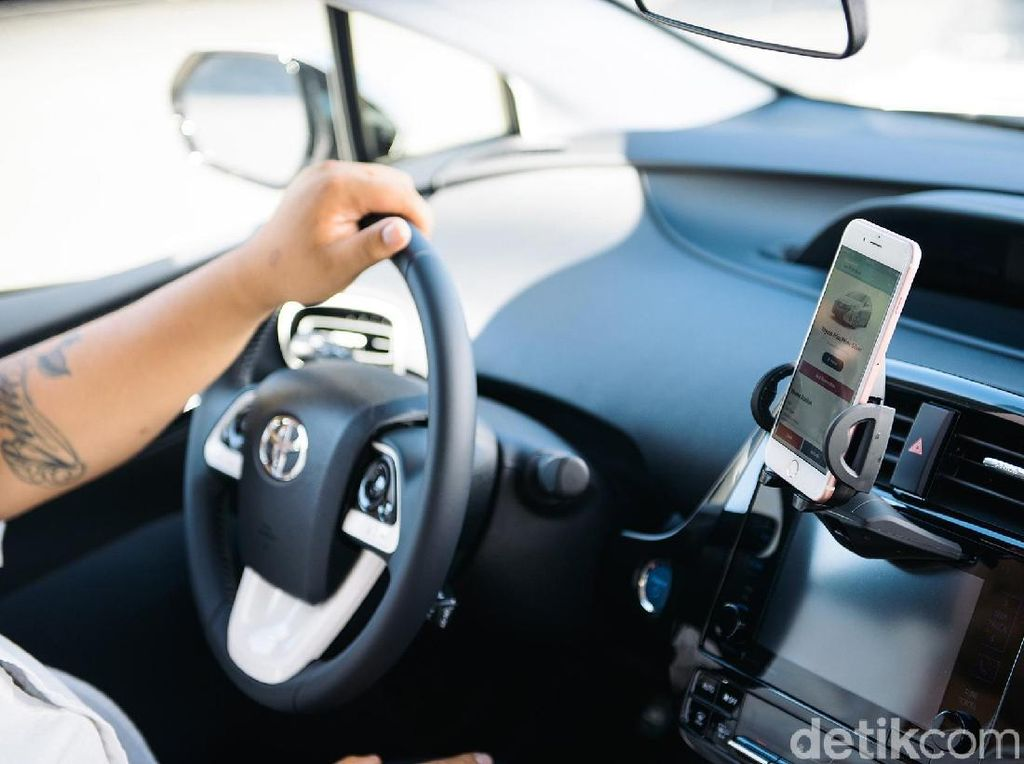 Rental Canggih, Tak Perlu Kunci untuk Menyalakan Mobil, HP Saja