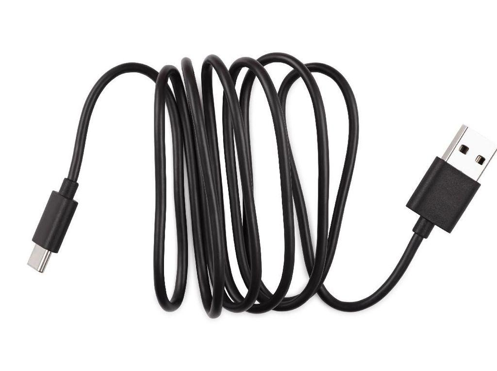 Ngilu! Kabel USB Nyangkut di Mr P