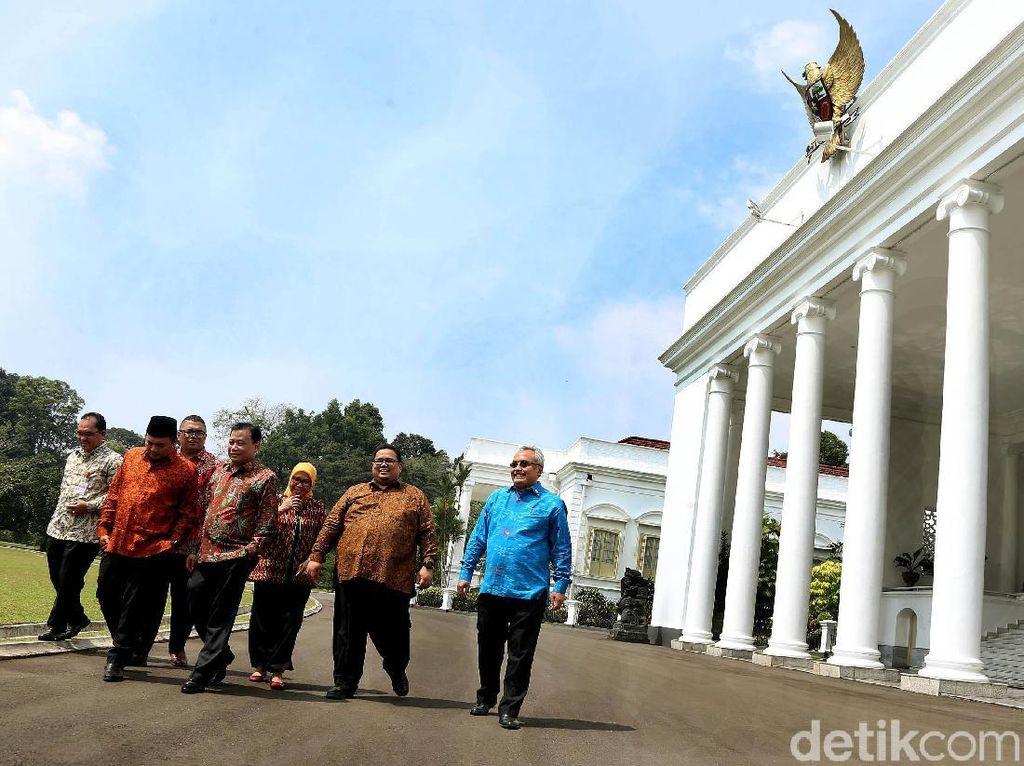 Pimpinan Bawaslu Temui Jokowi di Istana Bogor