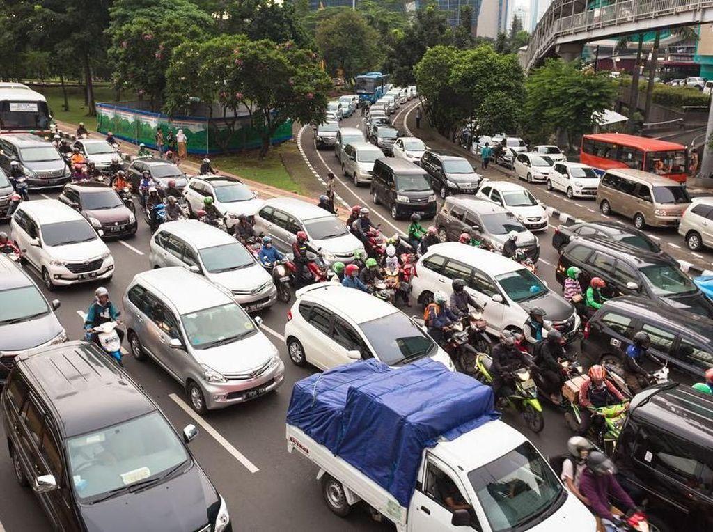 Skutik Ini Nyaman Bawa Pengendara Lewati Kemacetan Ibu Kota