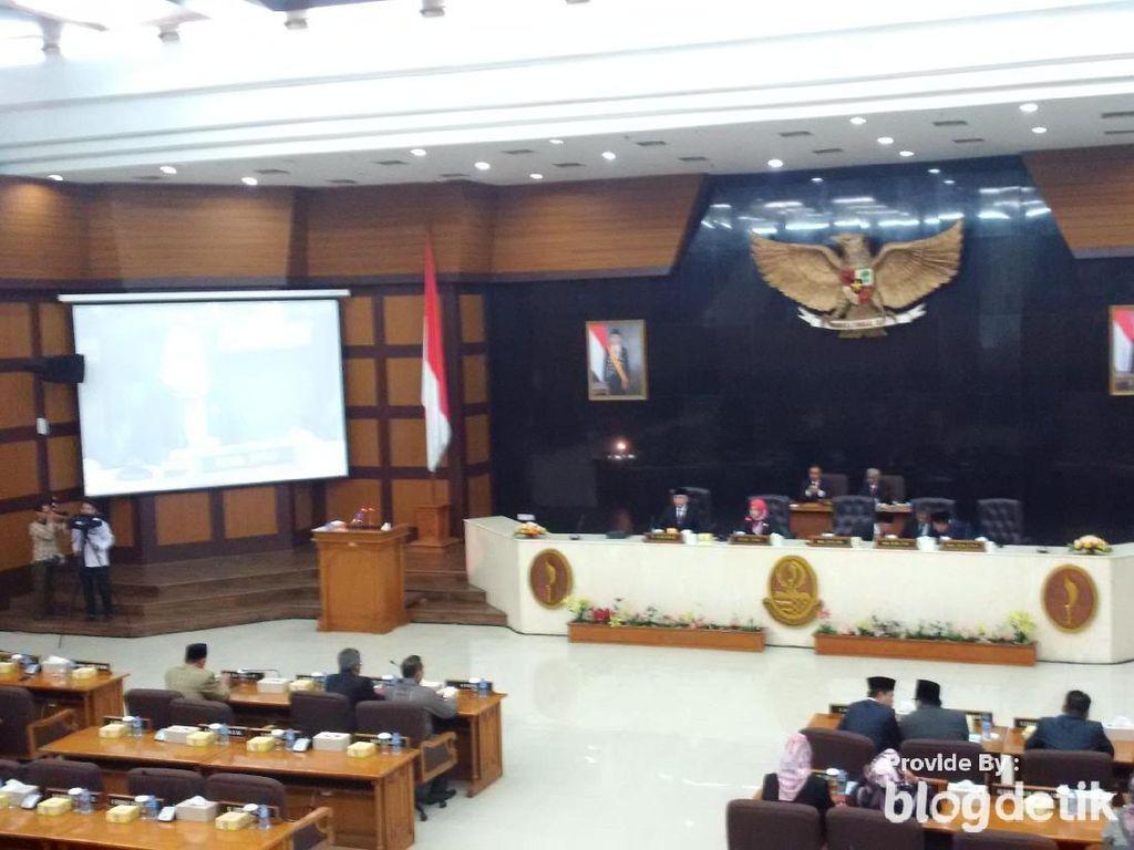 Separuh Anggota Dewan Tak Hadir Dalam Pengenalan Ridwan Kamil-Uu