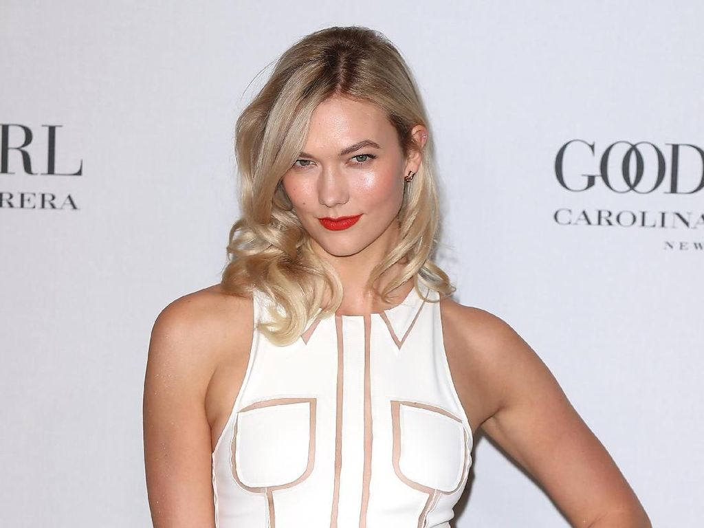 Karlie Kloss Tak Sengaja Ungkap Akun Instagram Rahasia Putri Inggris Ini