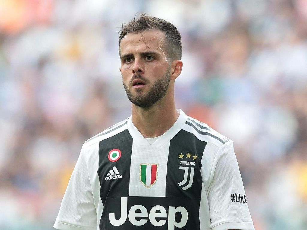 Madrid Tawar Pjanic Nyaris Rp 1 T, Juventus Menolak