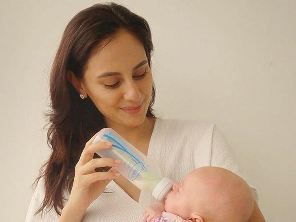 Pemer Foto saat Nyusuin Anak, Marissa Nasution di-Bully Netizen