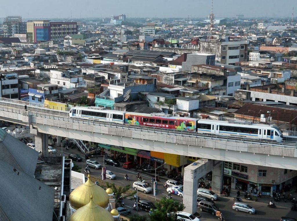 Menjajal LRT Palembang yang Mulai Beroperasi untuk Umum