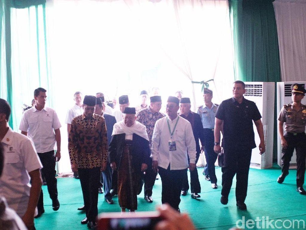 Jokowi Hadiri Milad Ke-43 dan Peletakan Batu Pertama Menara MUI
