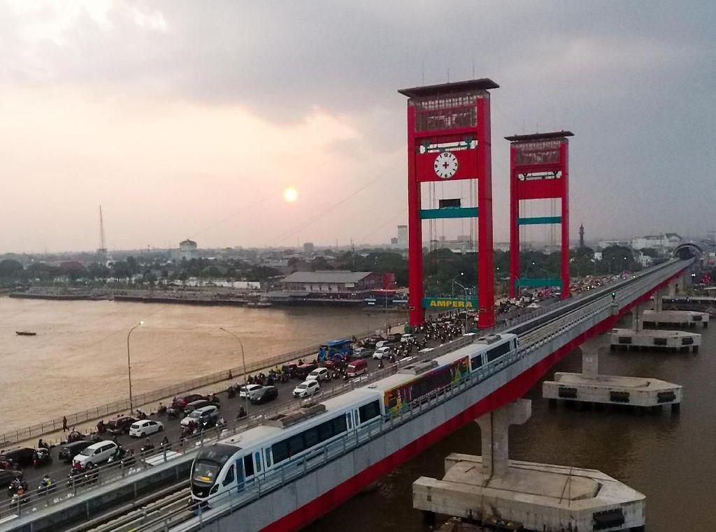 Ada LRT, Hilir Mudik Kendaraan Pribadi di Palembang Mau Dibatasi