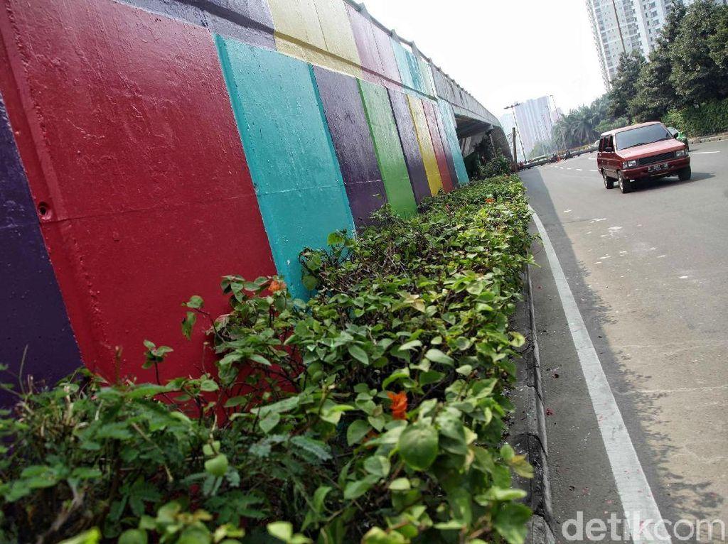 Warna-warni Flyover Kemayoran