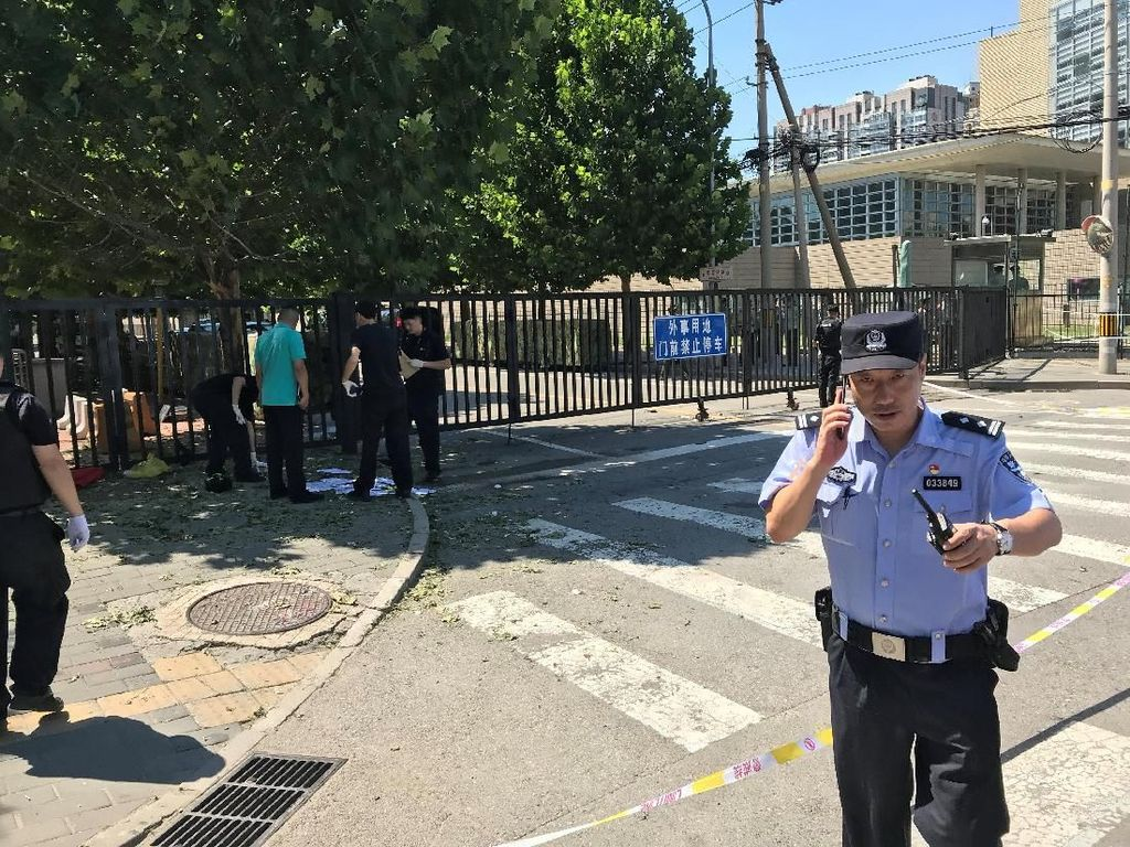 Usai Ledakan Dekat Kedutaan AS di Beijing, Antrean Visa Dimulai Lagi