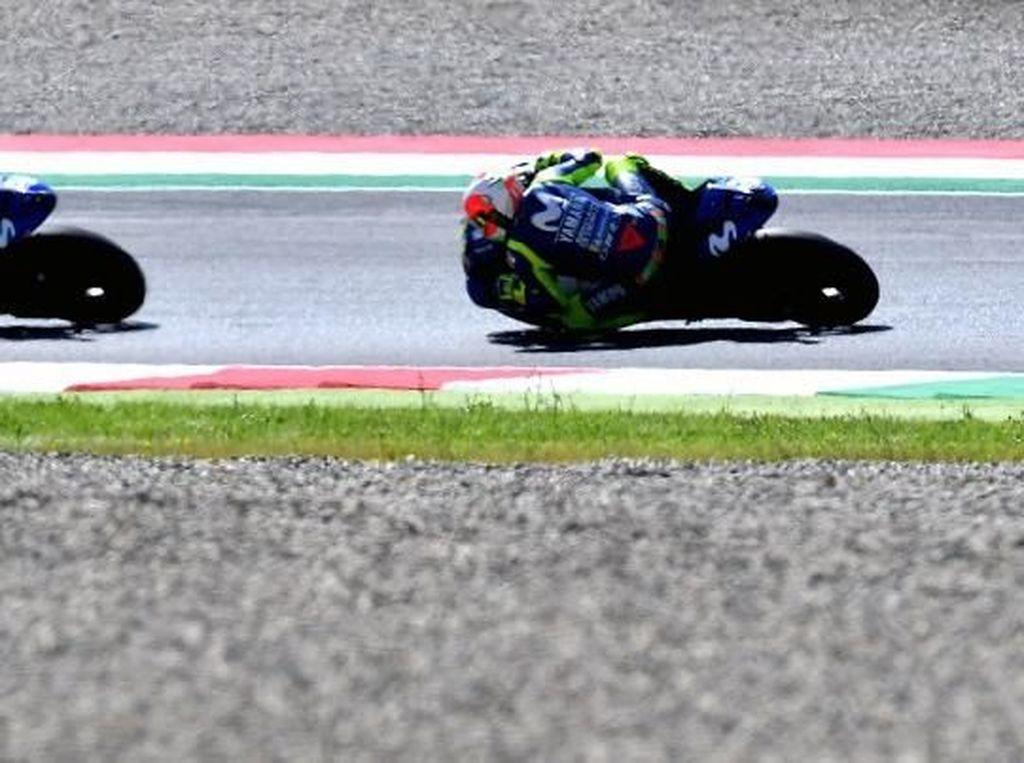 Ini Sebabnya Rossi Lebih Sulit Kendalikan Motor daripada Vinales