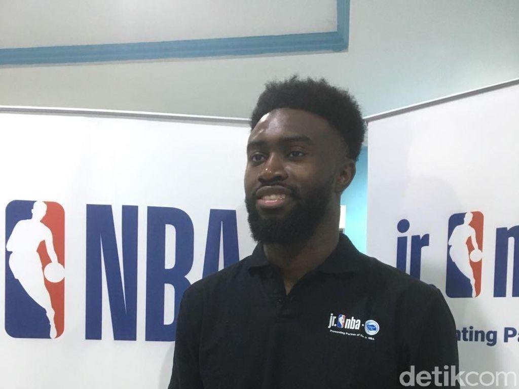 Pebasket NBA Jaylen Brown Transfer Ilmu di Indonesia