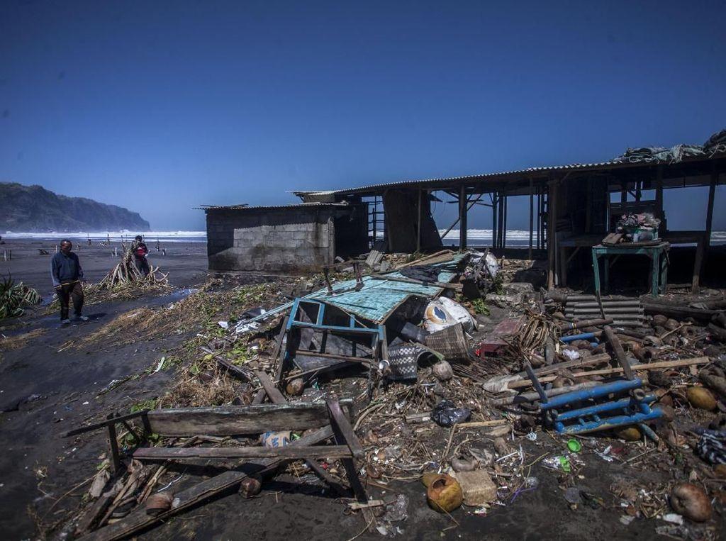 Waspada Gelombang Tinggi Hantam Pesisir Indonesia