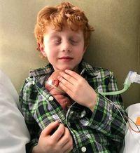 Mikey Marotta, kakak yang skin to skin dengan adiknya yang lahir prematur