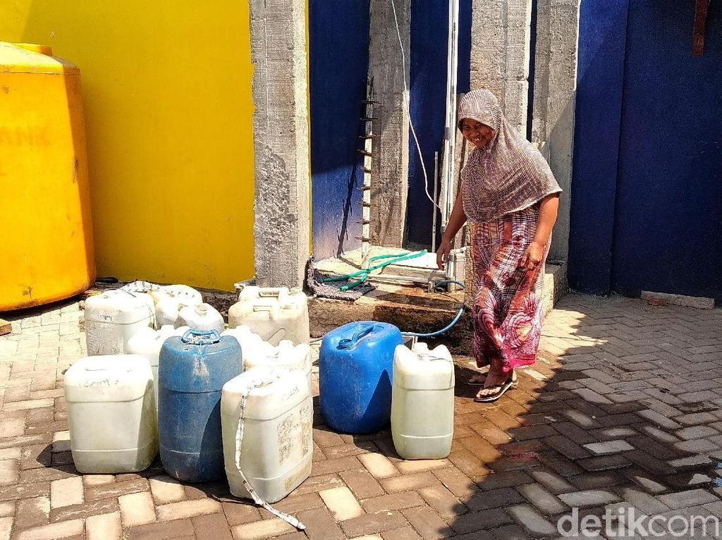 6 Bulan PDAM Mati, Warga Malang Andalkan Air dari Perusahaan Swasta