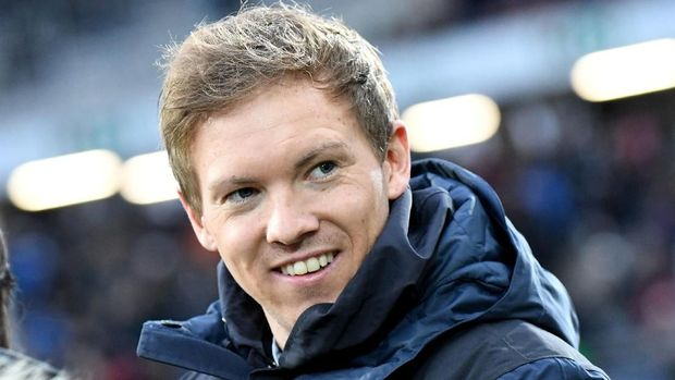 Hoffenheim's German head coach Julian Nagelsmann  is pictured prior to the German first division Bundesliga football match between Hanover 96 and TSG Hoffenheim in Hanover, Germany, on December 10, 2017.  / AFP PHOTO / dpa / Peter Steffen / Germany OUT