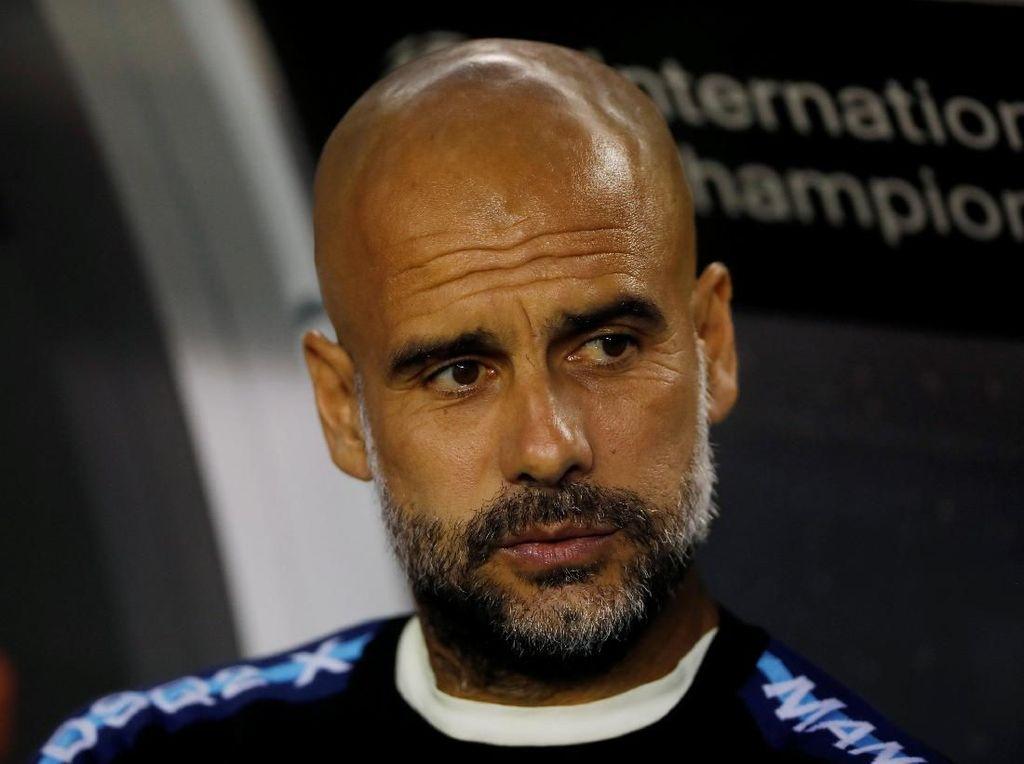 Diganggu Klopp, Guardiola Tinggalkan Konferensi Pers
