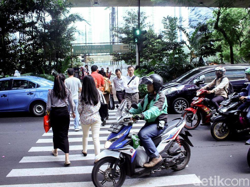 Pelican Crossing Bak Simalakama: Pedestrian Senang, Lalin Macet