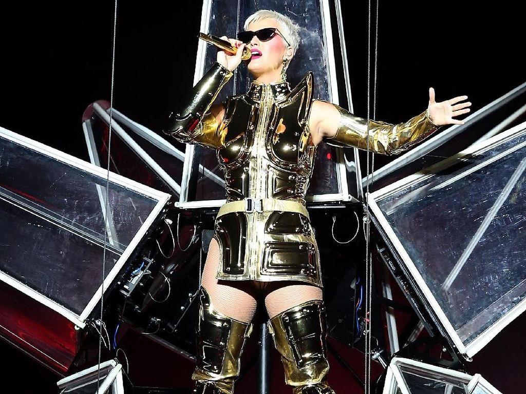 Katy Perry Akui Tak Pernah Total di Tiap Konsernya