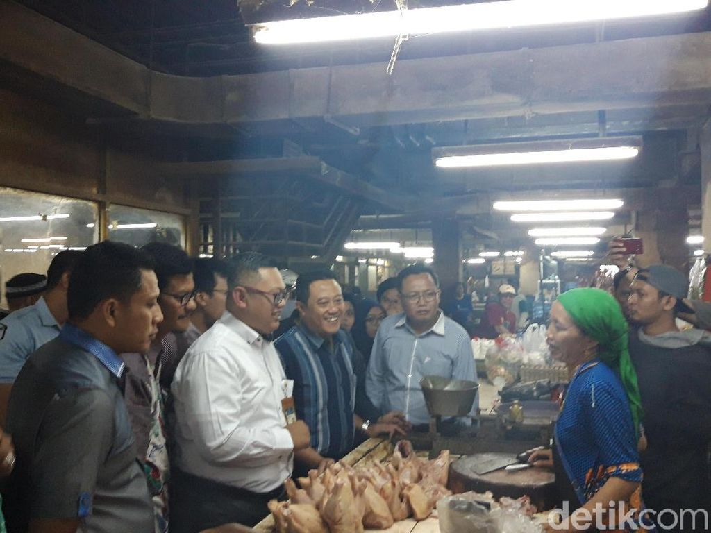 KPPU Sidak Harga Daging Ayam di Pasar Surabaya, Ini Solusinya