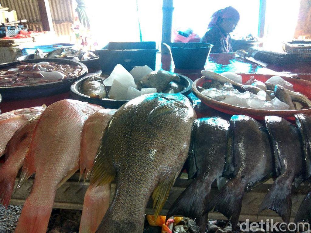 Gelombang Tinggi Paksa Nelayan Tak Melaut, Ini Dampaknya