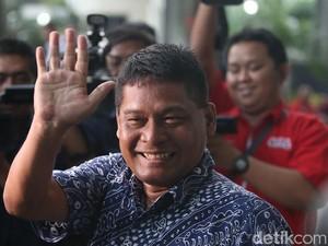 PNS Tajir Melintir Gaji Rp 8 Juta Punya 19 Mobil Bongkar Borok Pengadilan!