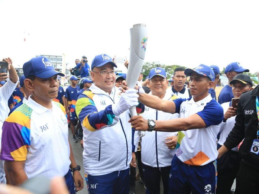 Usai Dibawa Menyelam di Raja Ampat, Obor Asian Games 2018 Singgah di Sorong