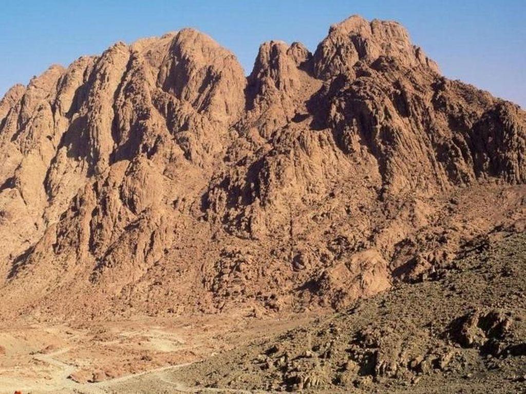 Mengapa Jalur Pendakian Sinai Jadi Salah Satu Jalur Terbaik Dunia?