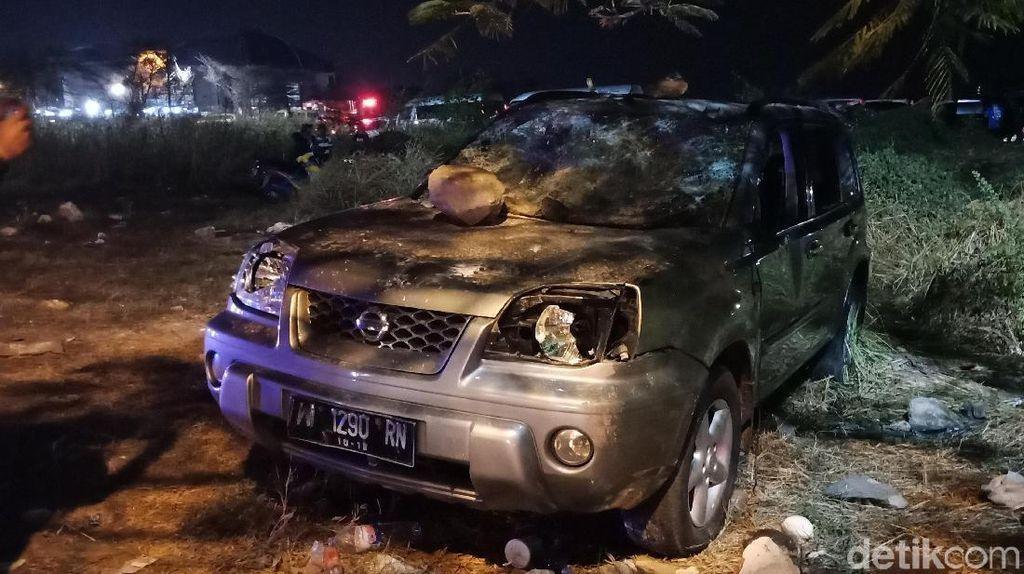 Buntut Kerusuhan Suporter di GBT, 5 Motor Terbakar 1 Mobil Rusak