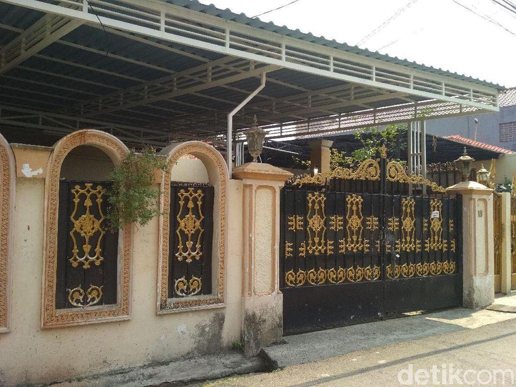 Dituntut Rp 2,5 M, Ini Rumah Elvy Sukaesih yang Terancam Disita