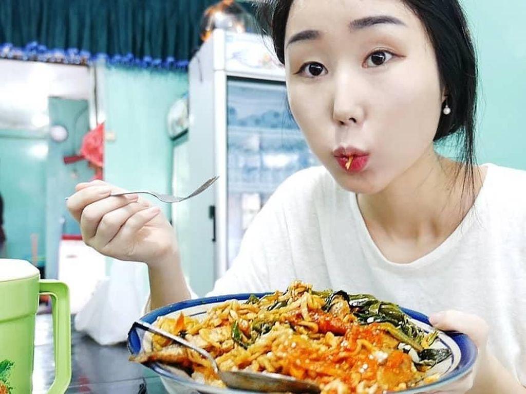 Hari Jisun hingga Ben Goddard, WN Asing yang Doyan Makanan Indonesia