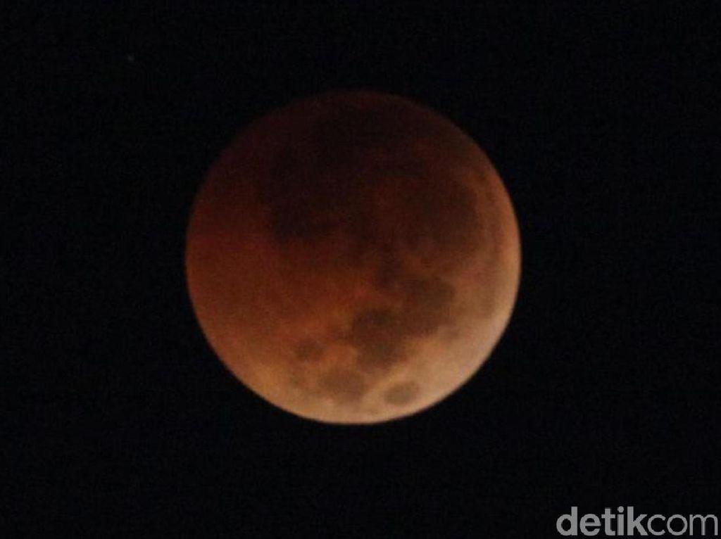 Ini Penampakan Gerhana Bulan Total di Jakarta