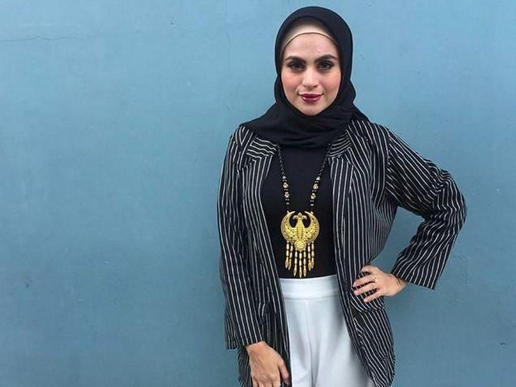 Bukan Sekali Asha Shara Posting Foto Tanpa Hijab