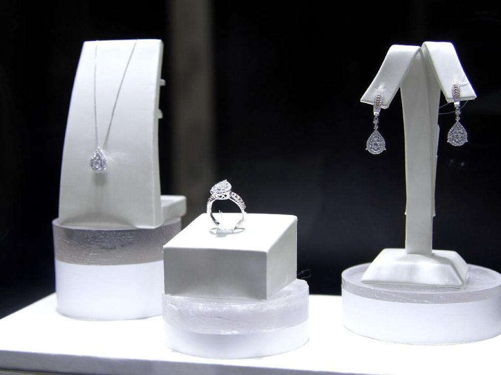 Tips Menyimpan Perhiasan Berlian Agar Tak Tergores