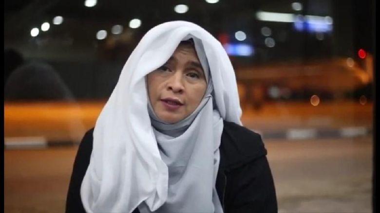 Saat Ditolak di Batam, Neno Warisman Video Call Fahri-Fadli