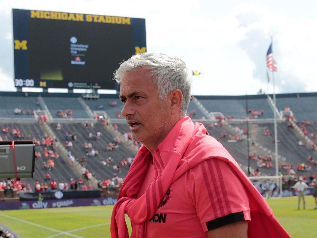 Ajang Pramusim Kurang Greget, Mourinho: Aku Sih Ogah Beli Tiketnya