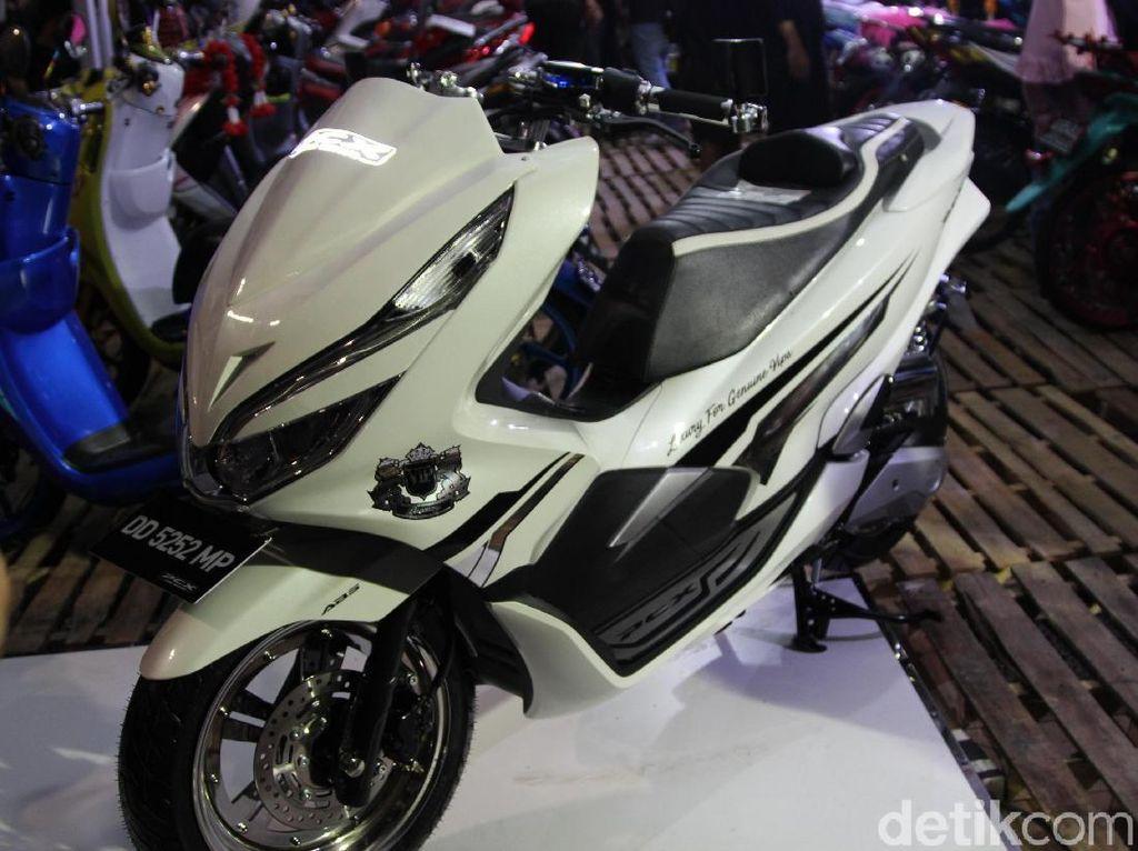 Honda PCX Ini Pakai Bahan CBR250RR Sengaja Impor dari Thailand