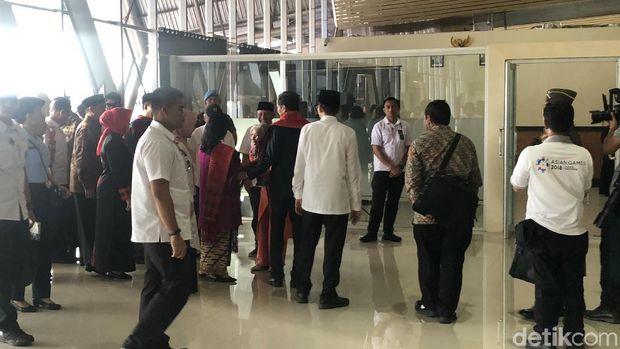 Jokowi tiba di NTB.