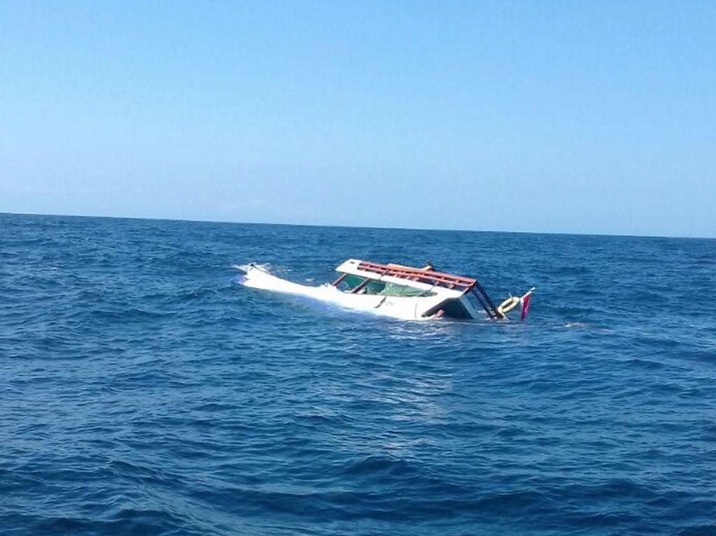 Kapal yang Bawa Puluhan Siswa Karam di Sungai Mentaya Kalteng