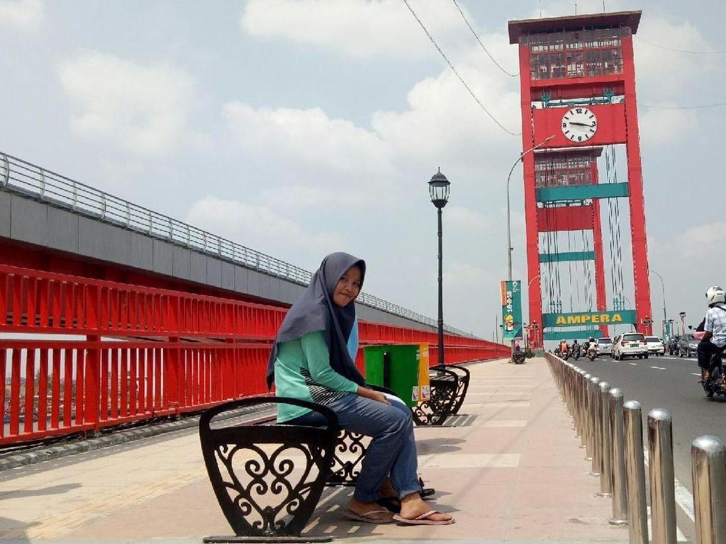 Video: Jembatan Ampera Bling-bling Demi Asian Games