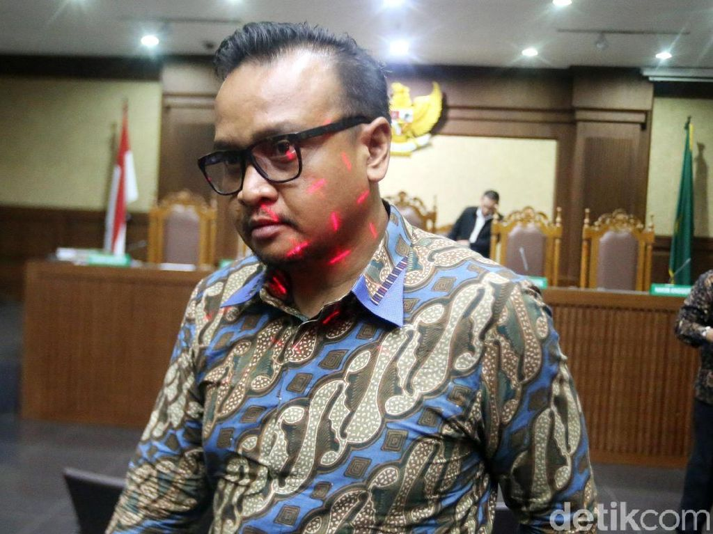 Ponakan Novanto Bantah Pernah Terima SGD 500 Ribu dari Fayakhun