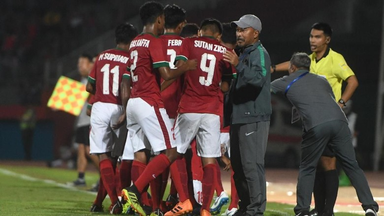 Fakhri Husaini Pertanyakan Penalti Myanmar