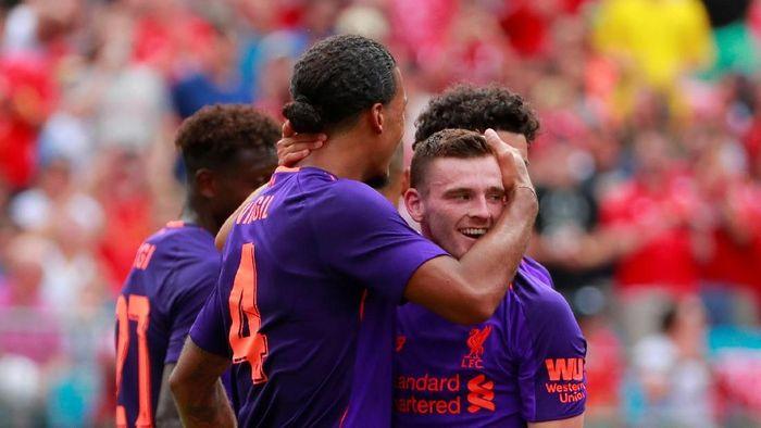 Lini pertahanan Liverpool makin solid sejak kehadiran Van Dijk (Chris Keane/REUTERS)
